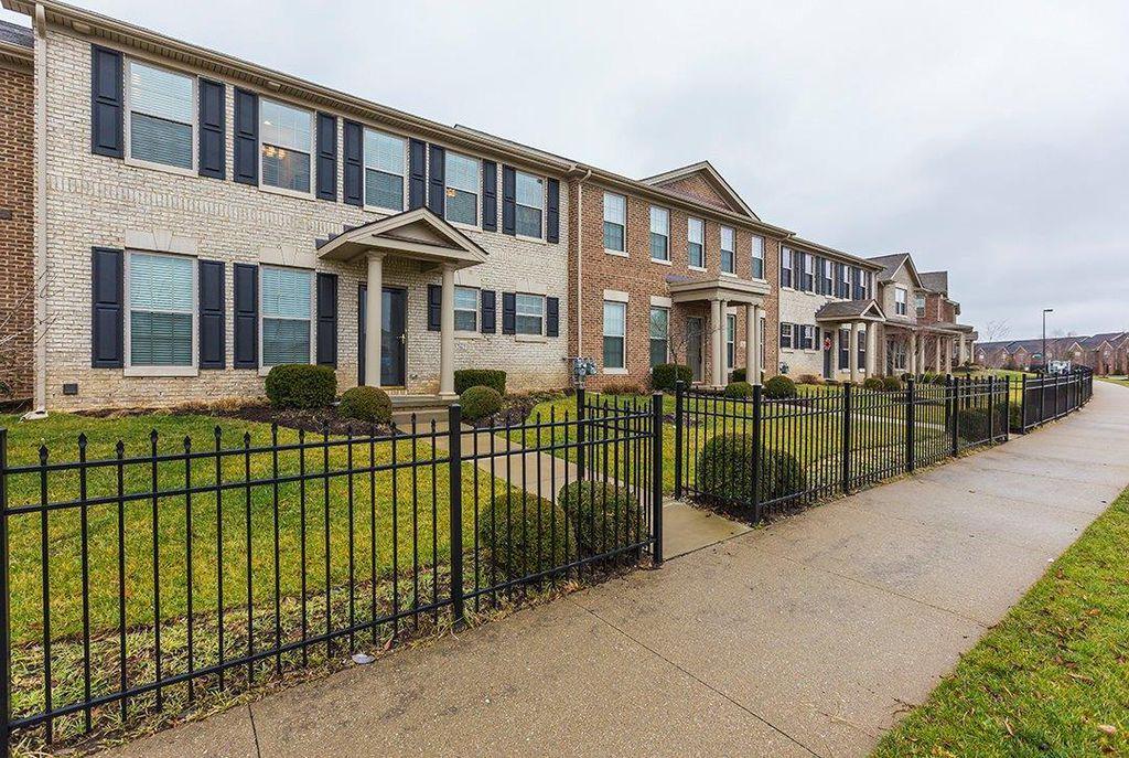3262 Beaumont Centre Cir, Lexington, KY 40513