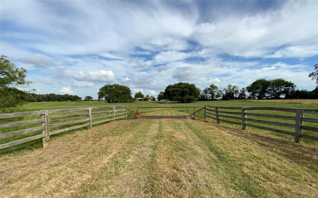 3201 W Highway 21, Lincoln, TX 78948
