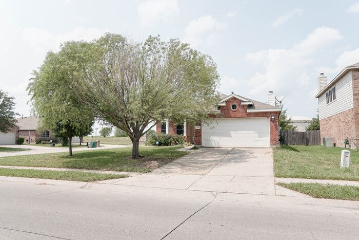 2119 Gardenia Dr, Forney, TX 75126
