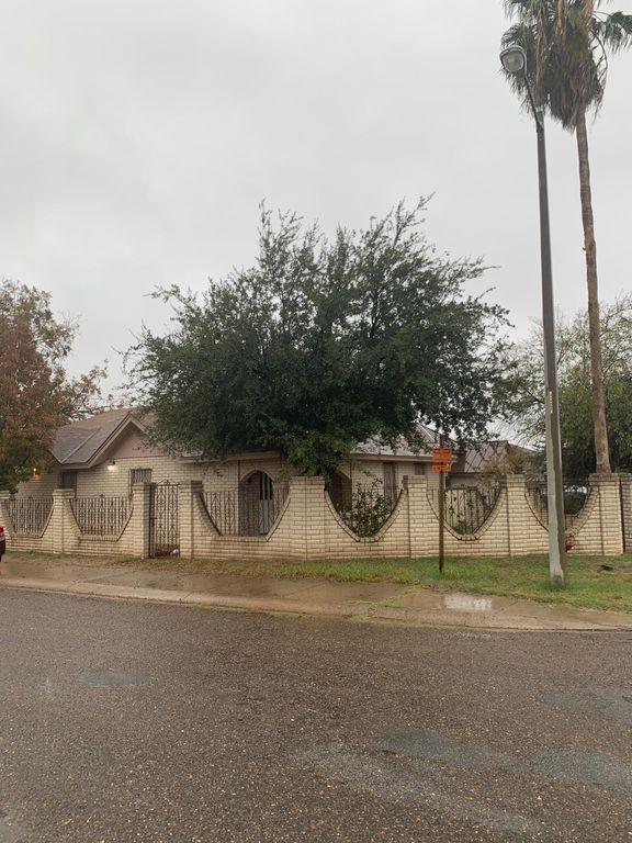 315 Avila Dr, Laredo, TX 78046