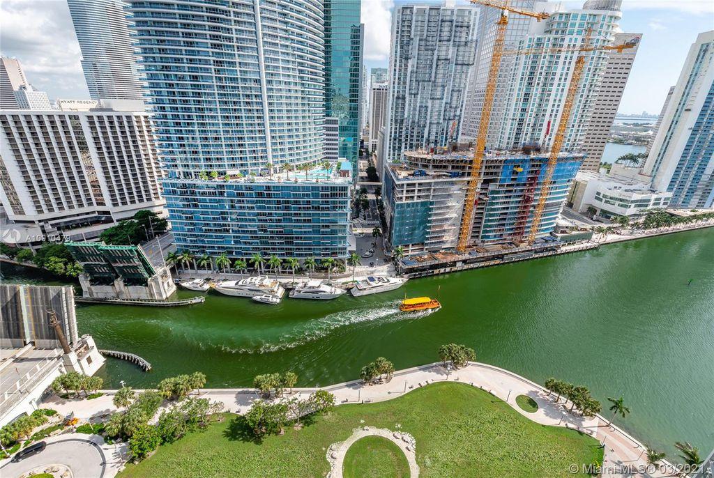 475 Brickell Ave #2615, Miami, FL 33131