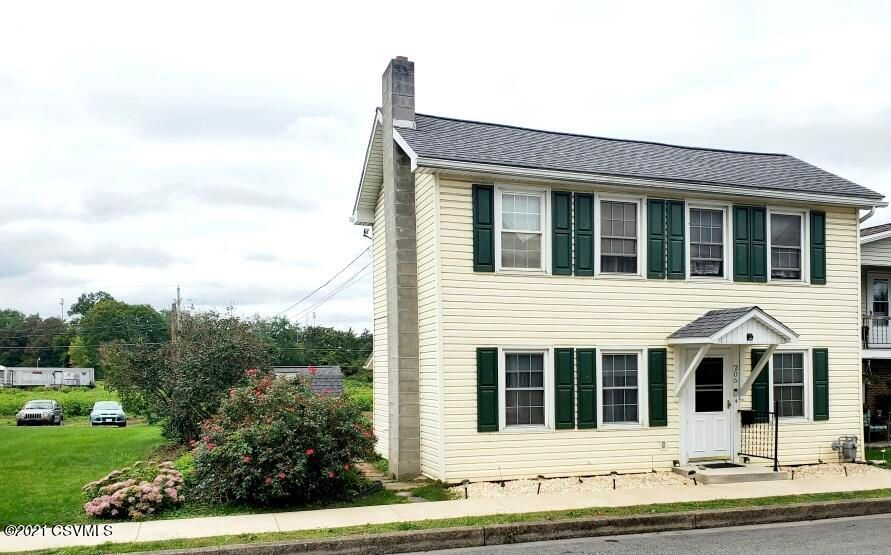 206 S High St, Selinsgrove, PA 17870