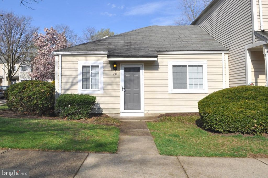 40 Stoney Point Ct, Germantown, MD 20876