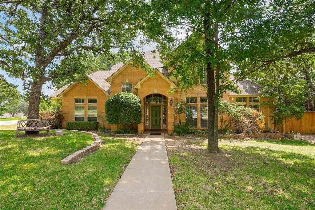 1712 Lynhurst Ln, Denton, TX 76205