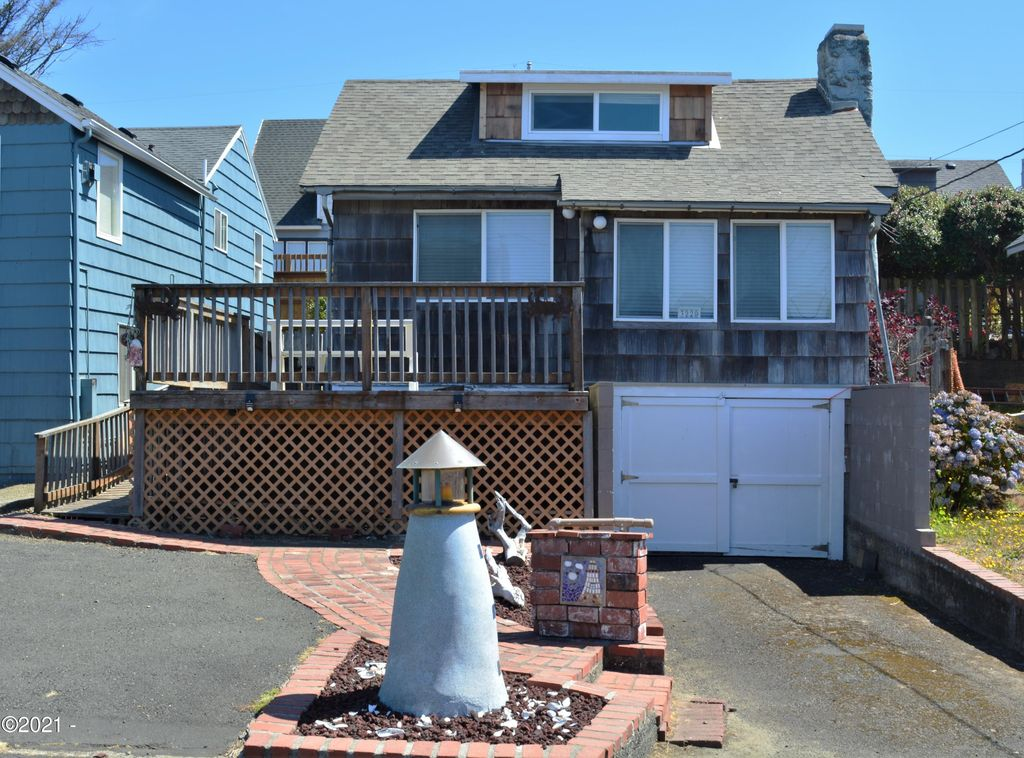 3220 SW Anchor Ave, Lincoln City, OR 97367