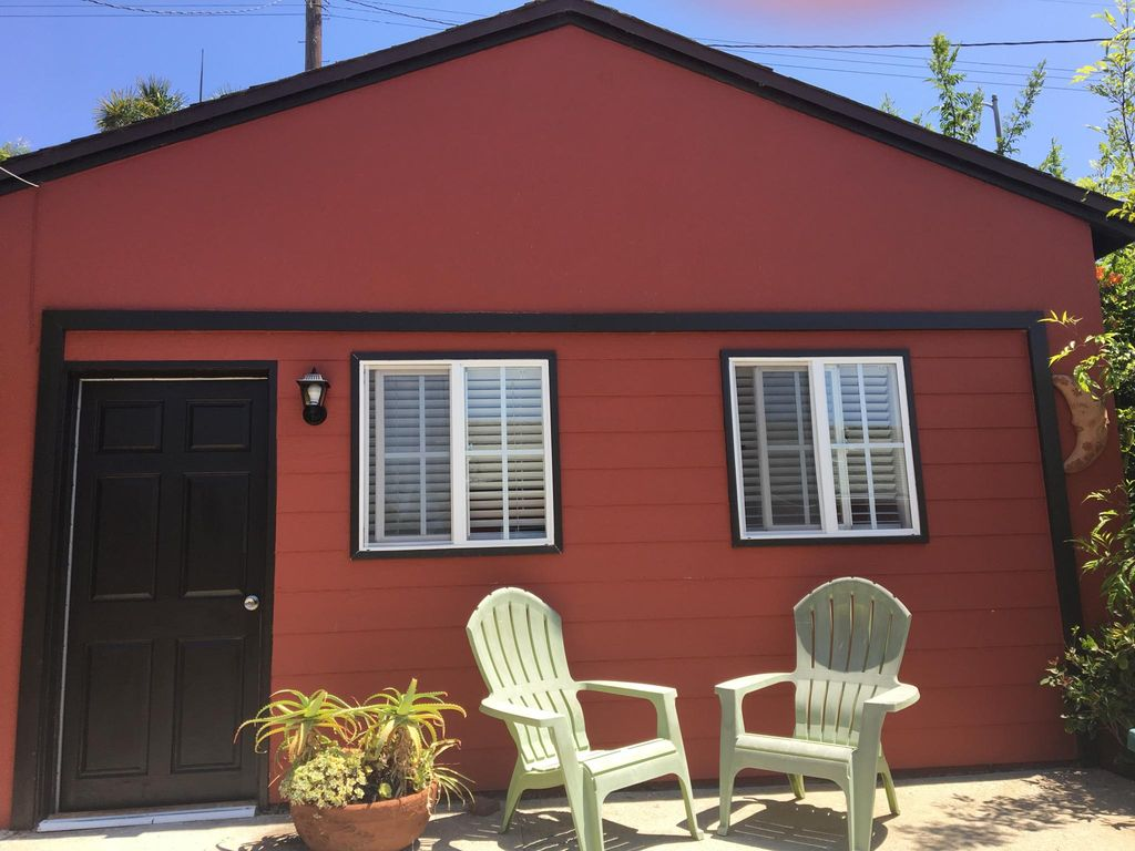 3442 Colonial Ave #A, Los Angeles, CA 90066