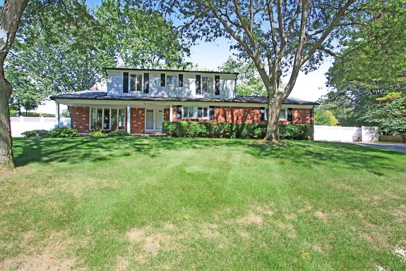 5283 Rostraver Ct, Shelby Township, MI 48316