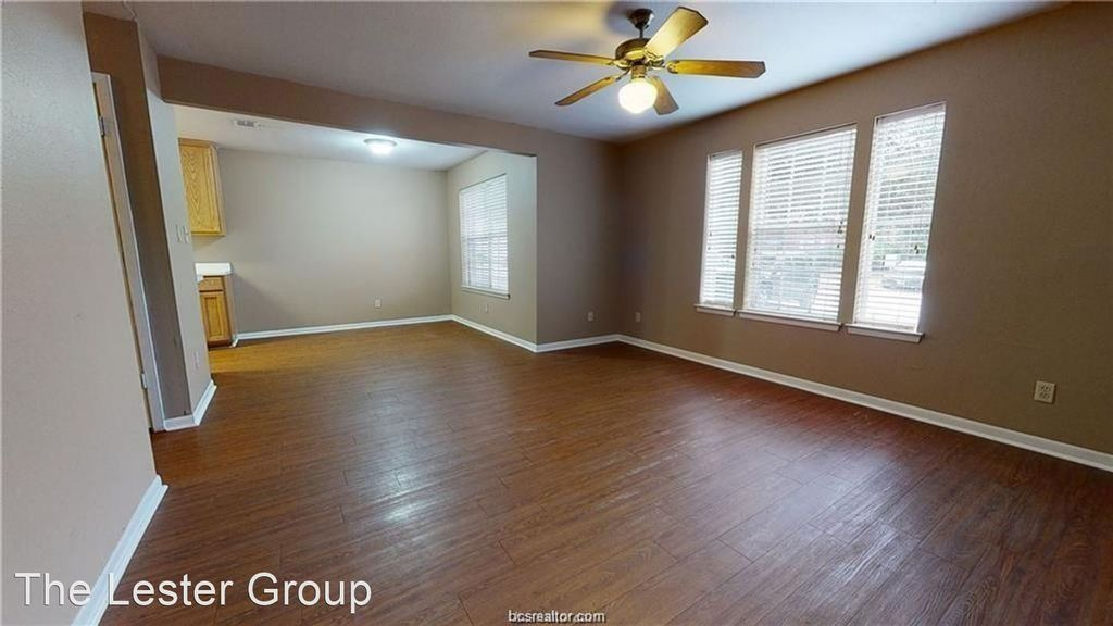 907 Balcones Dr #108, College Station, TX 77845