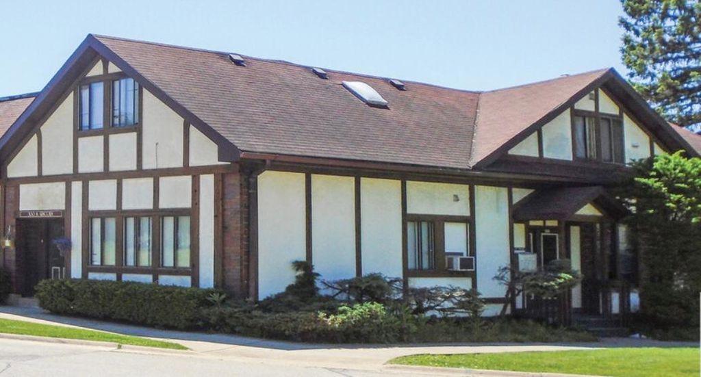 300 Lincoln Ave #3, Fox River Grove, IL 60021