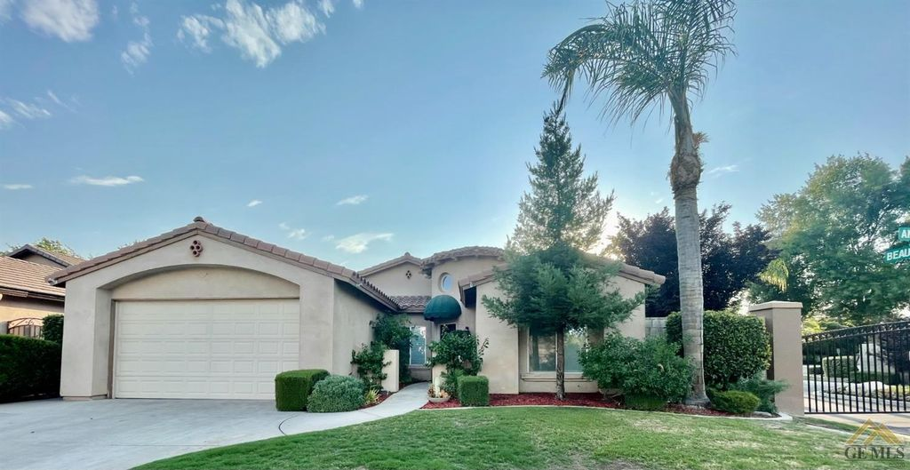 1801 Angers Ct, Bakersfield, CA 93311
