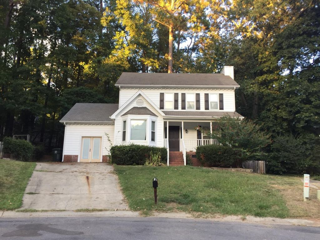 2421 Long And Winding Rd, Raleigh, NC 27603