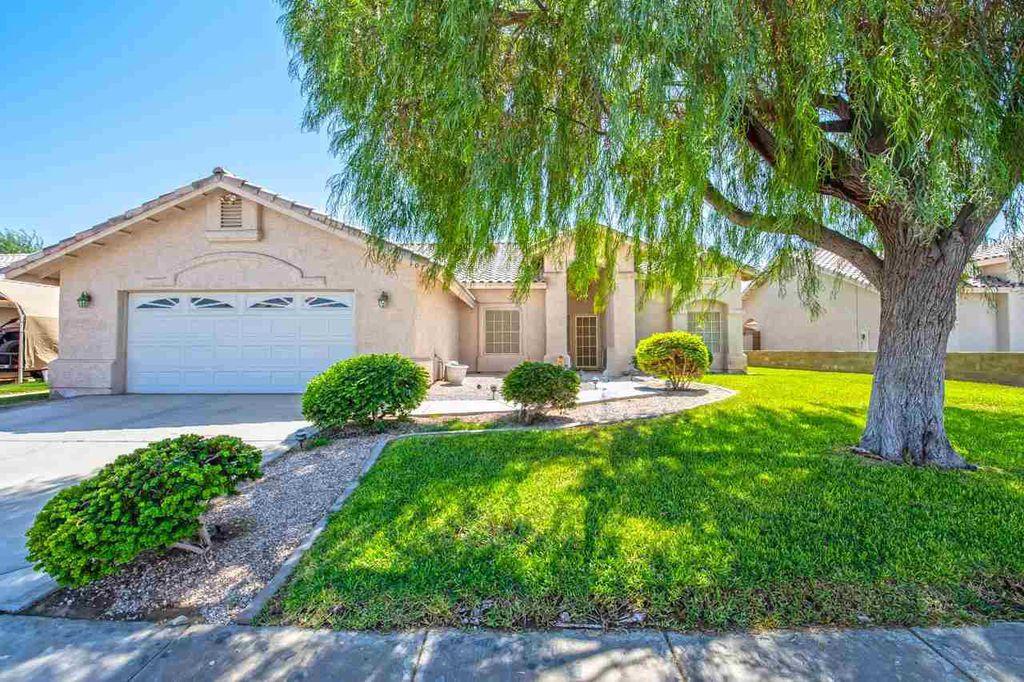 10705 E 38th St, Yuma, AZ 85365