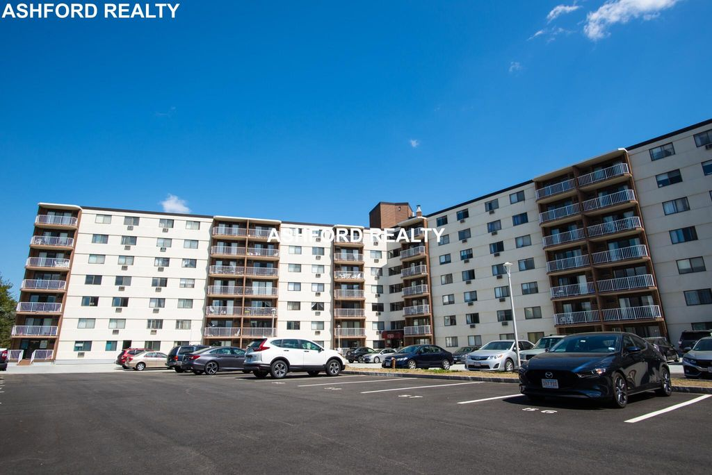 131 Coolidge Ave #611, Watertown, MA 02472