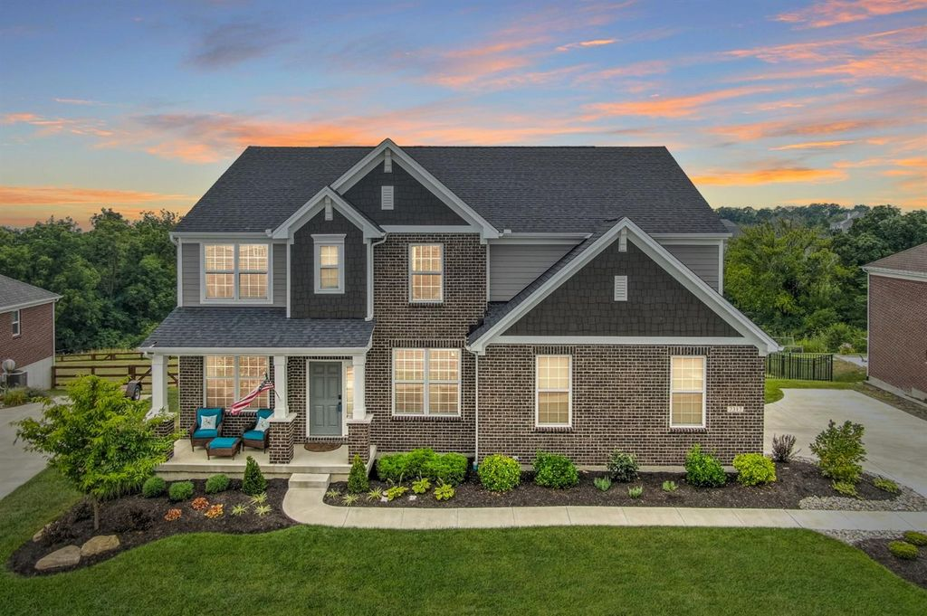 7317 Glenview Farm Dr, West Chester, OH 45011