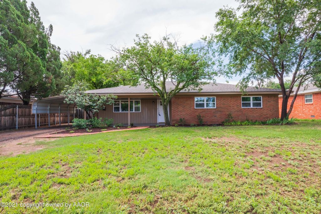 1422 9th Ave, Canyon, TX 79015