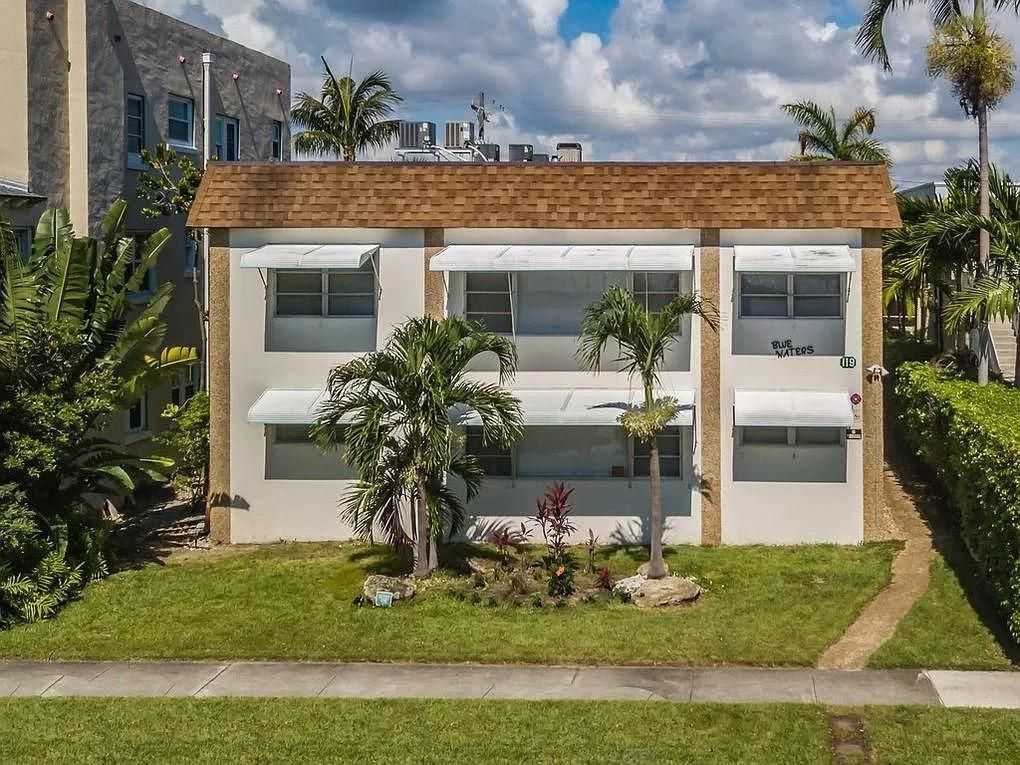 119 S Golfview Rd, Lake Worth, FL 33460