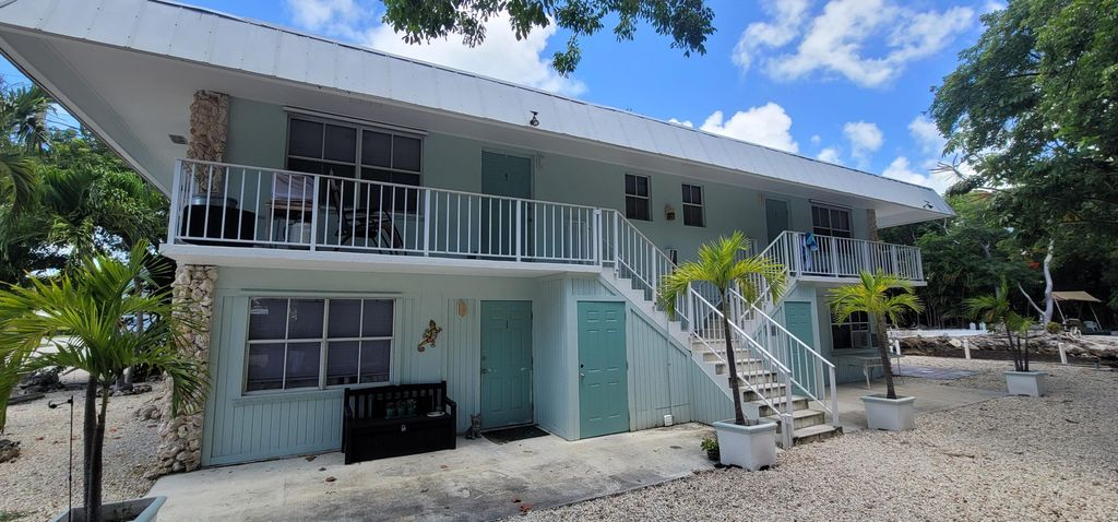 833 Bonito Ln, Key Largo, FL 33037