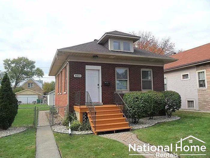 3214 Cuyler Ave, Berwyn, IL 60402