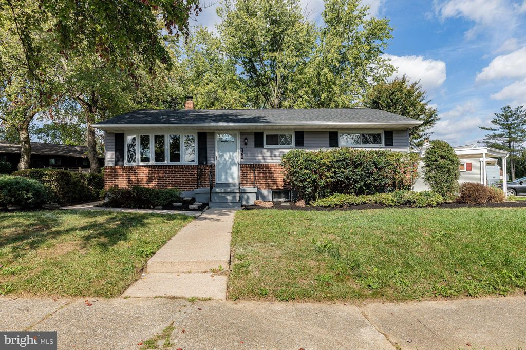 7410 Remoor Rd, Baltimore, MD 21207