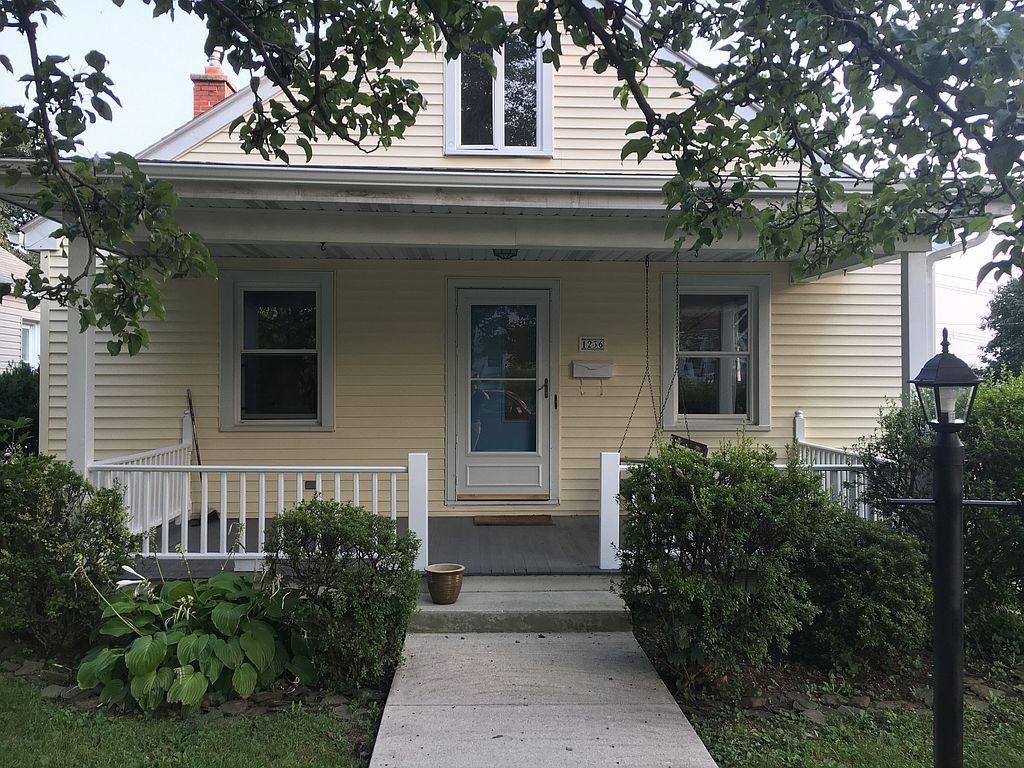 1236 Harding Ave, Hershey, PA 17033