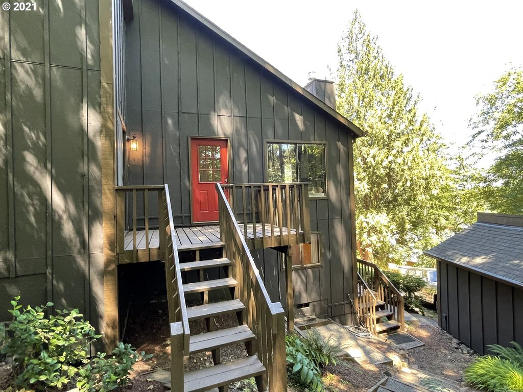 7705 S Fulton Park Pl, Portland, OR 97219