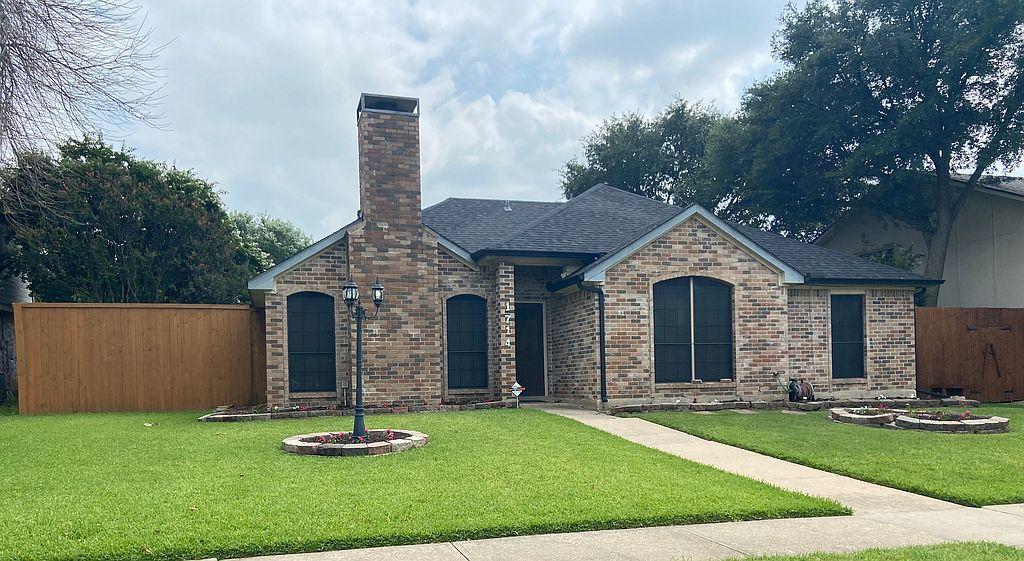 1714 Clarendon Dr, Lewisville, TX 75067