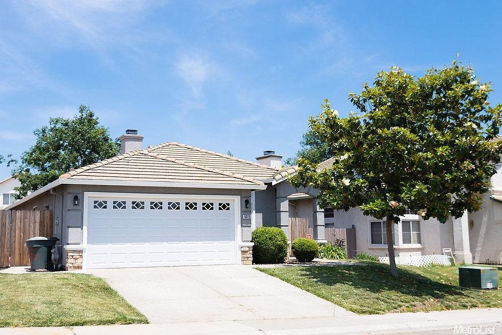 8015 Andante Dr, Citrus Heights, CA 95621