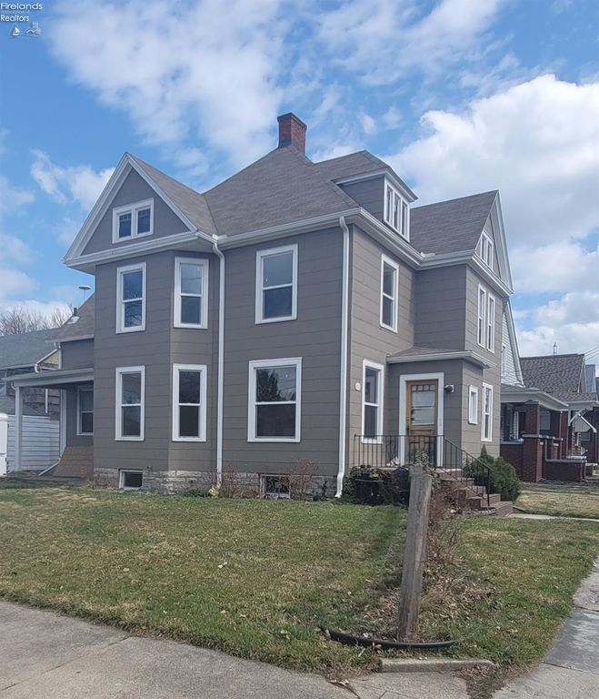 413 W Monroe St, Sandusky, OH 44870