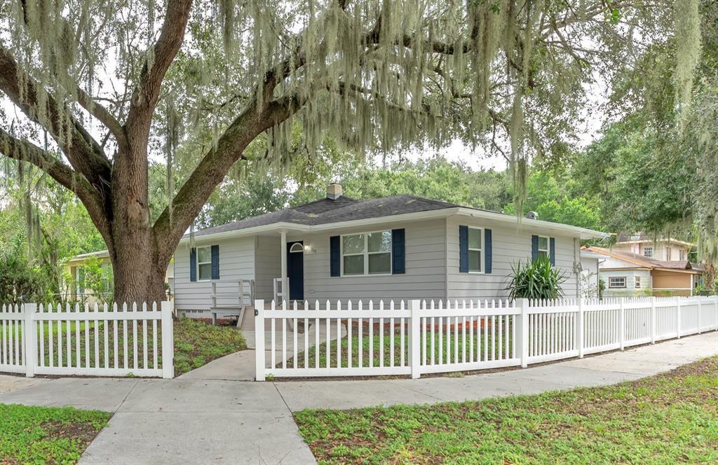 703 Interlachen Pkwy, Lakeland, FL 33801