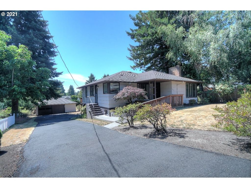 3015 NE 54th St, Vancouver, WA 98663