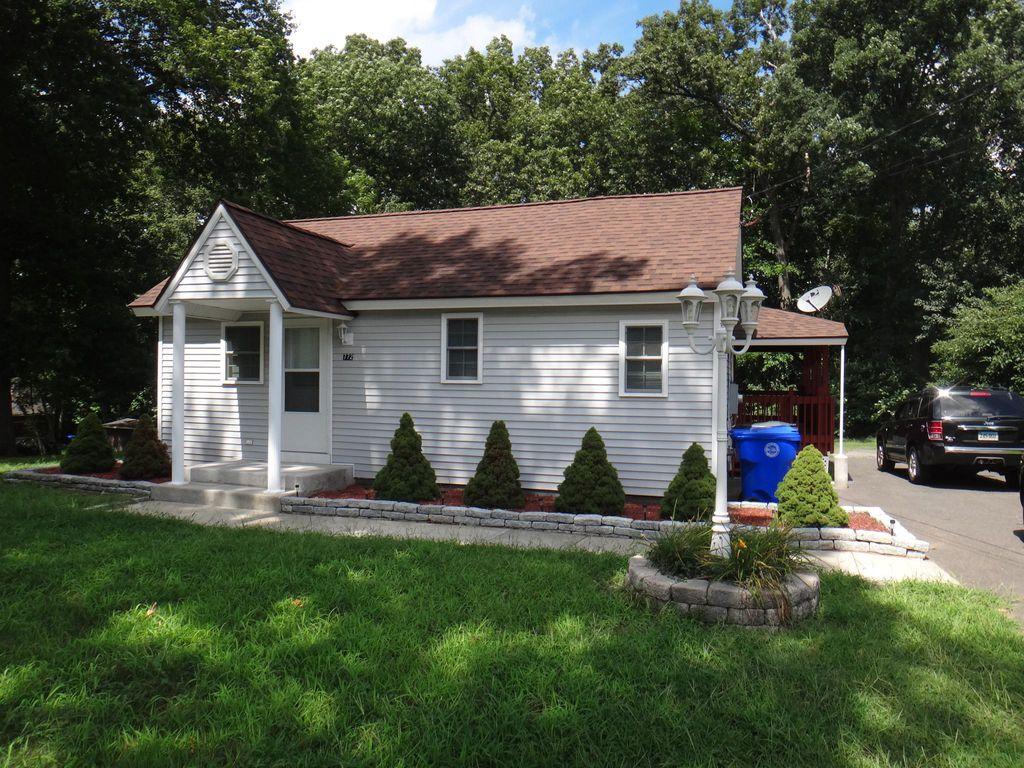 772 Goodwin St, East Hartford, CT 06108