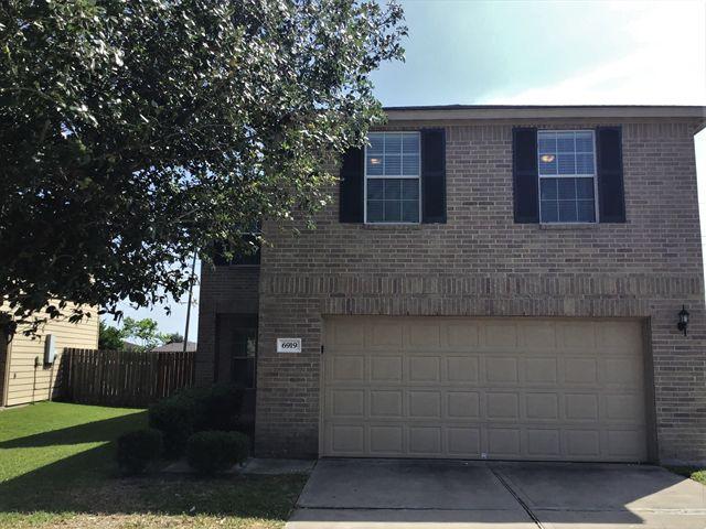 6919 Rosebud Hollow Ln, Richmond, TX 77469