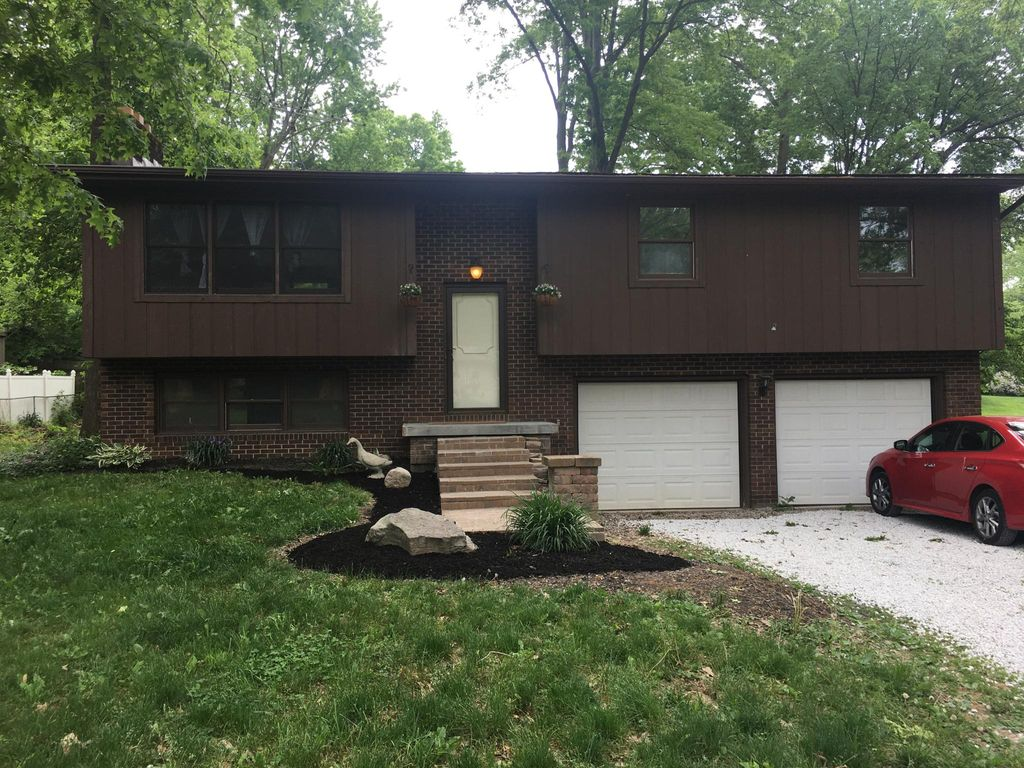 1510 Woodland Dr, Uniontown, OH 44685