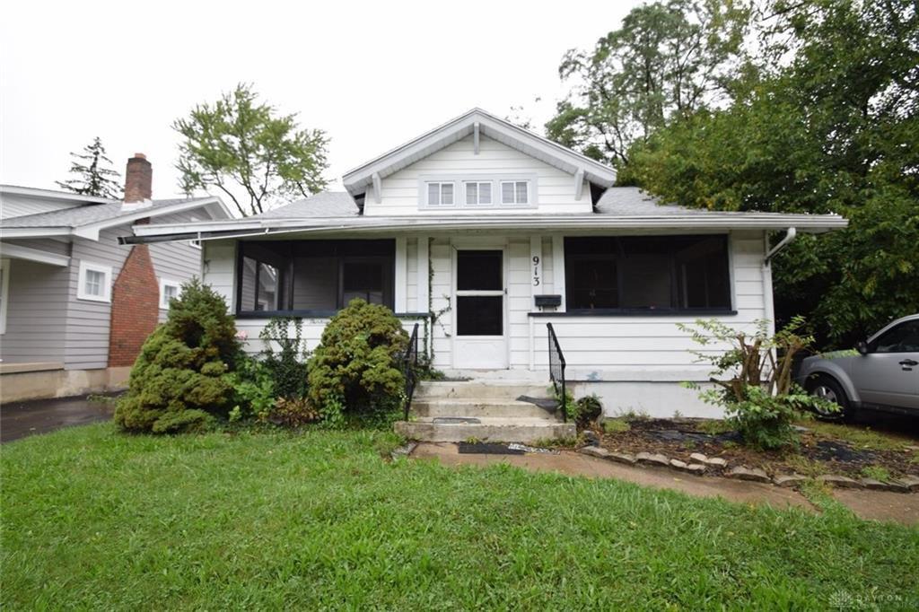 913 W Hillcrest Ave, Dayton, OH 45406