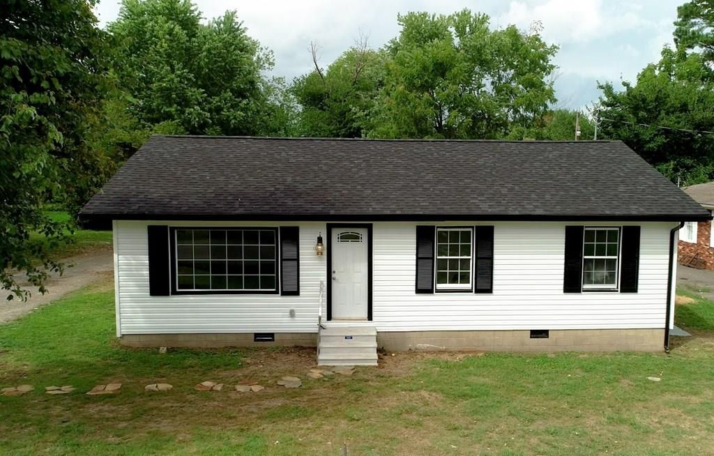 114 Midway Ave, Madisonville, KY 42431