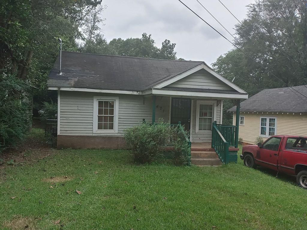 421 N 6th St, Griffin, GA 30223