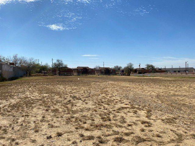 1419 E Hillside Rd, Laredo, TX 78041