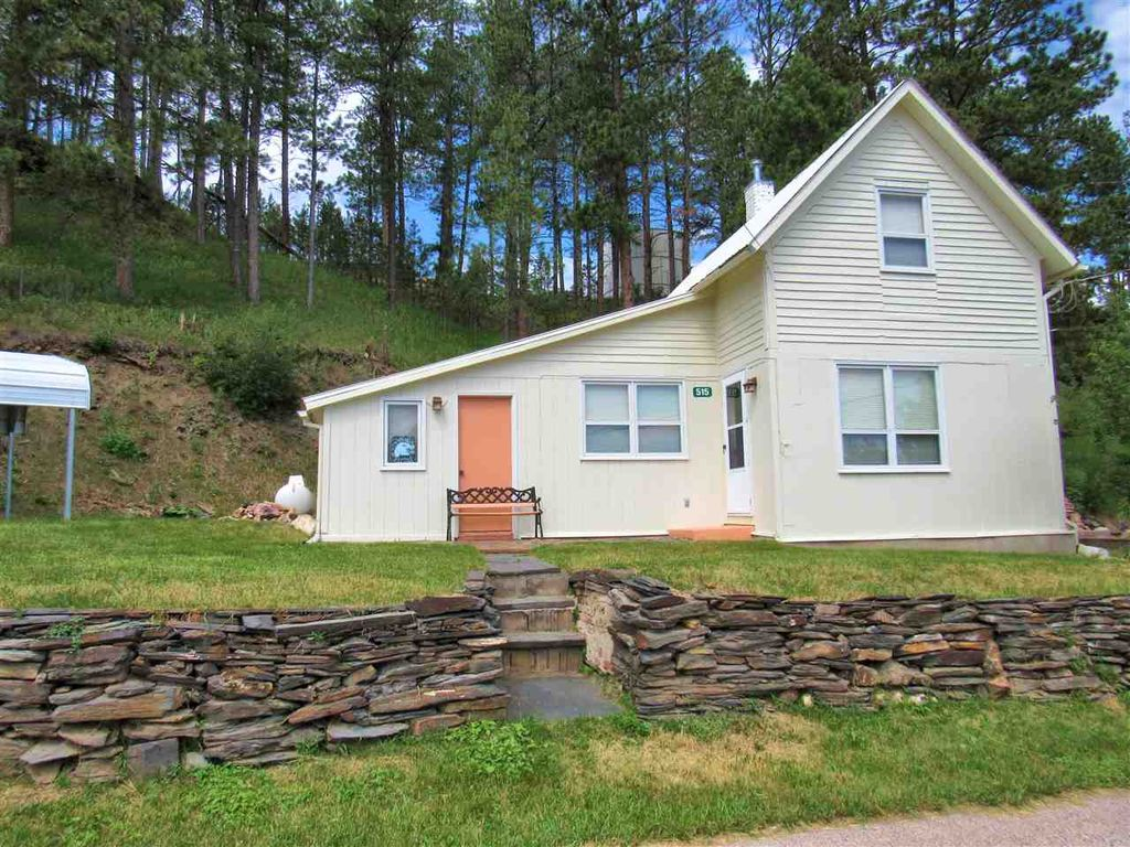 515 Pine Ave, Hill City, SD 57745