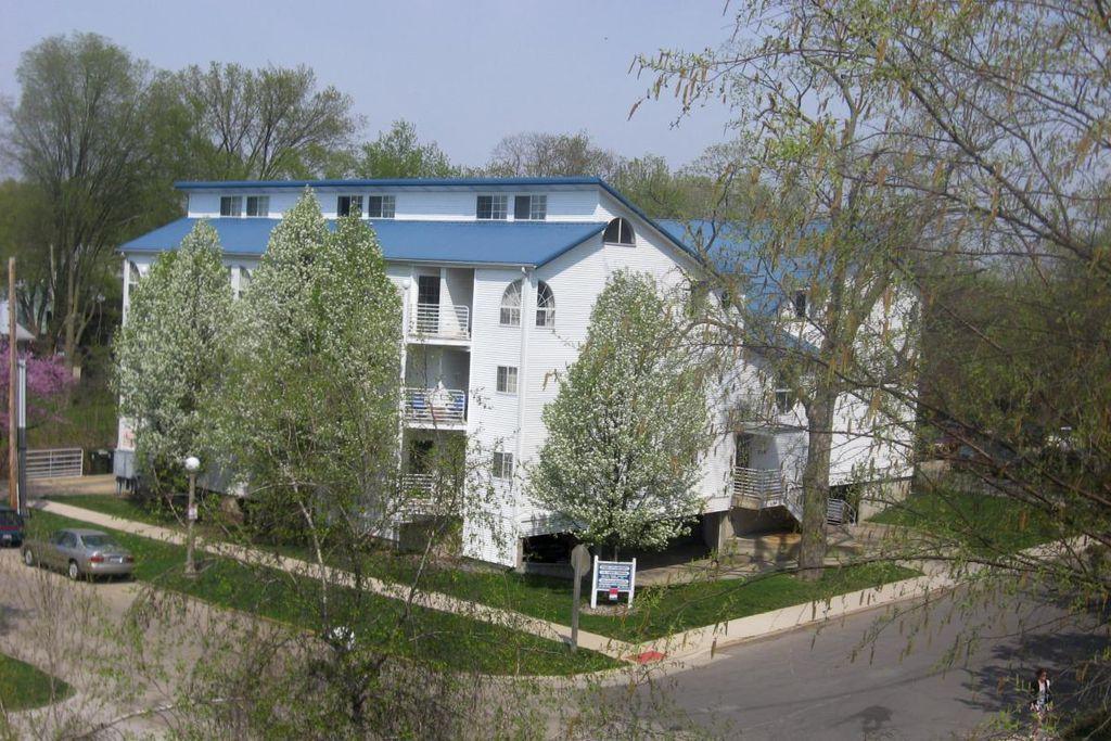 714 W Elm St #5, Urbana, IL 61801