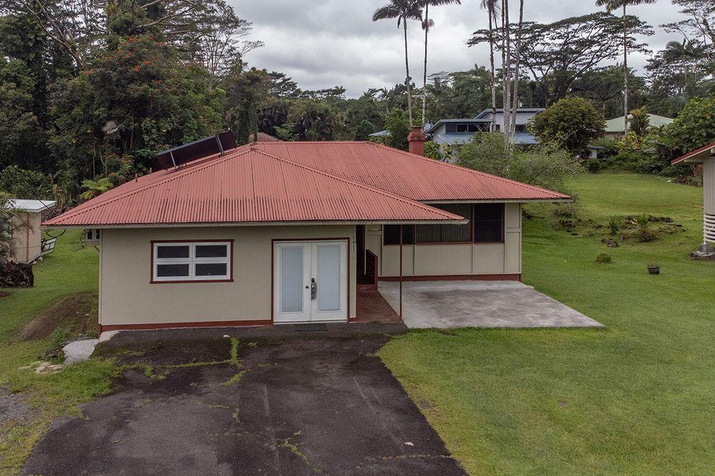 1823 Waianuenue Ave, Hilo, HI 96720