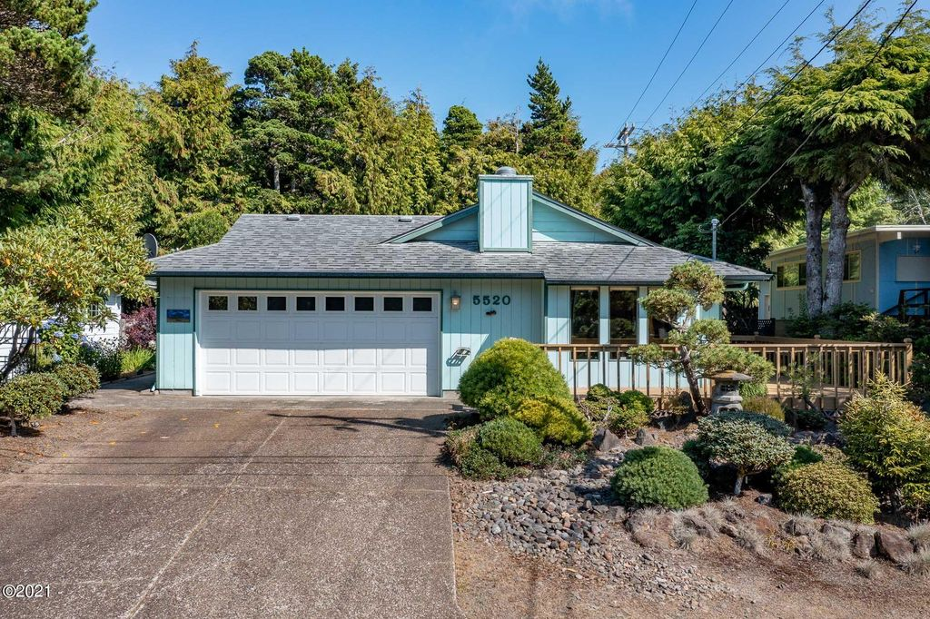 5520 Palisades Dr, Lincoln City, OR 97367