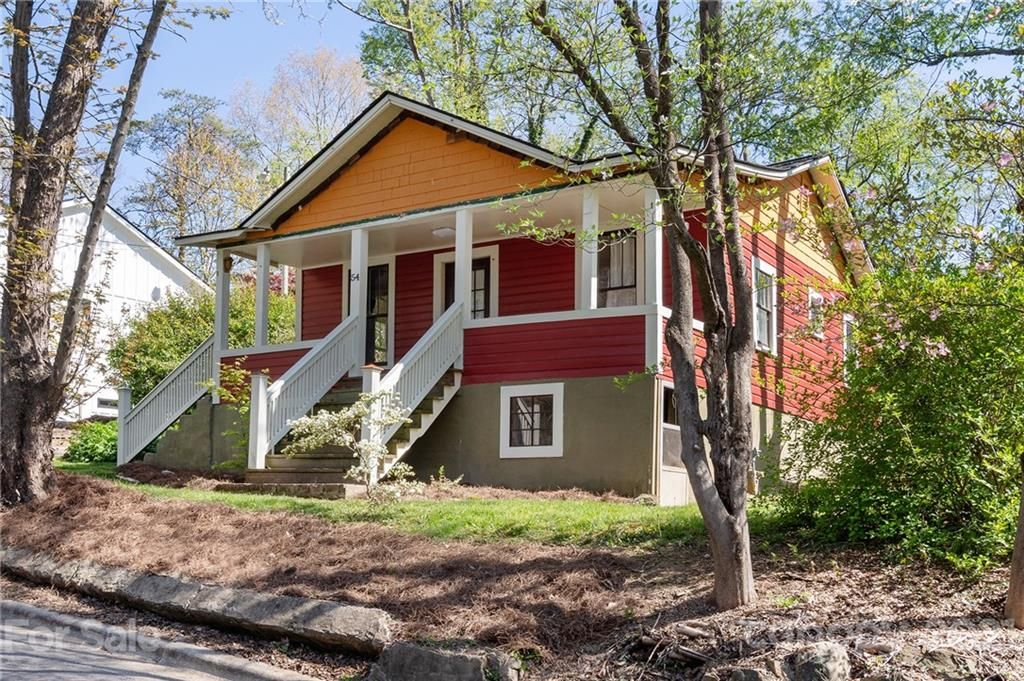 54 Downing St, Asheville, NC 28806
