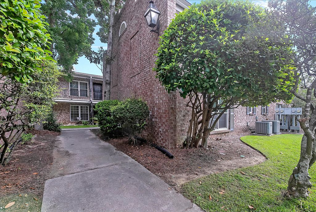 867 Colony Dr #F-93, Charleston, SC 29407