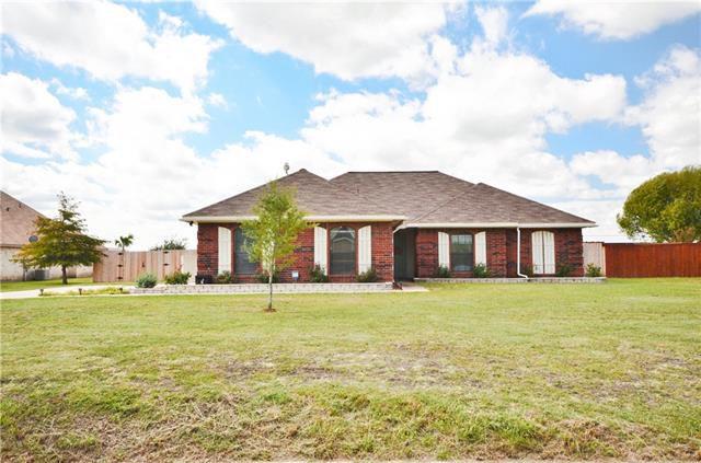 1018 S Lowrance Rd, Red Oak, TX 75154