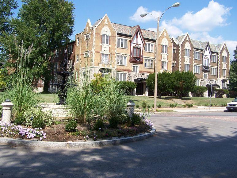 5041 Waterman Blvd, Saint Louis, MO 63108