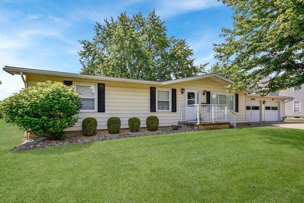 209 Worner St, Green Valley, IL 61534