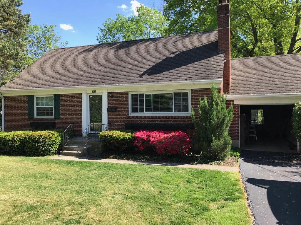 7851 Campus Ln, Montgomery, OH 45242