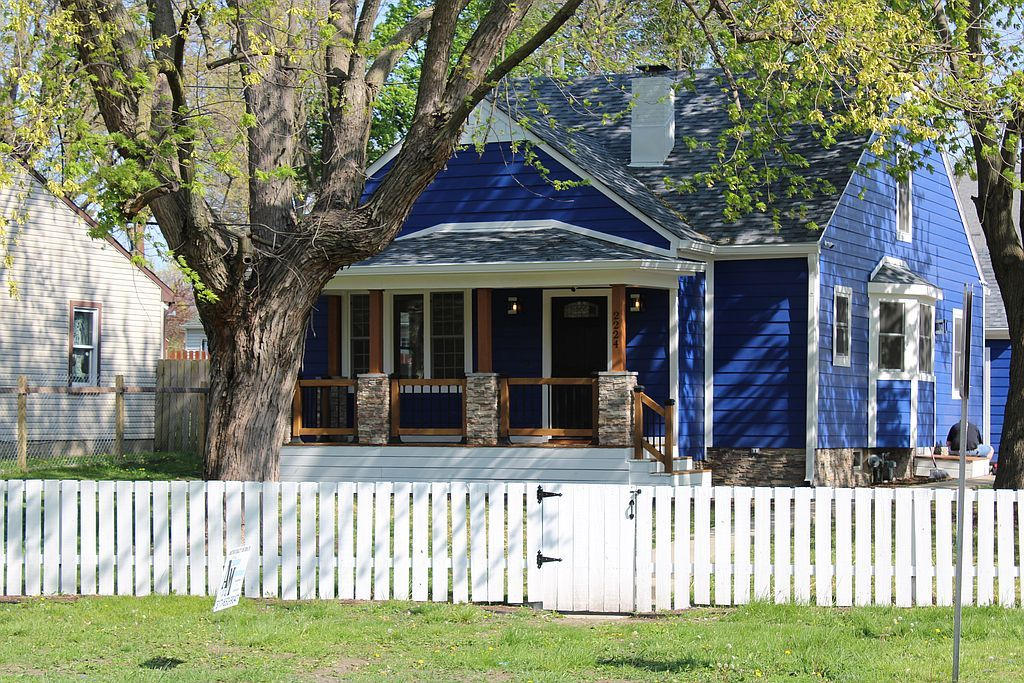 2224 E Pleasant Run Parkway North Dr, Indianapolis, IN 46203