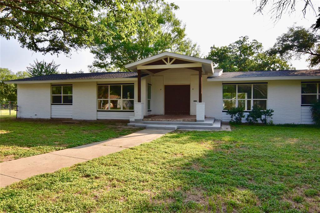 2006 11th St, Brownwood, TX 76801