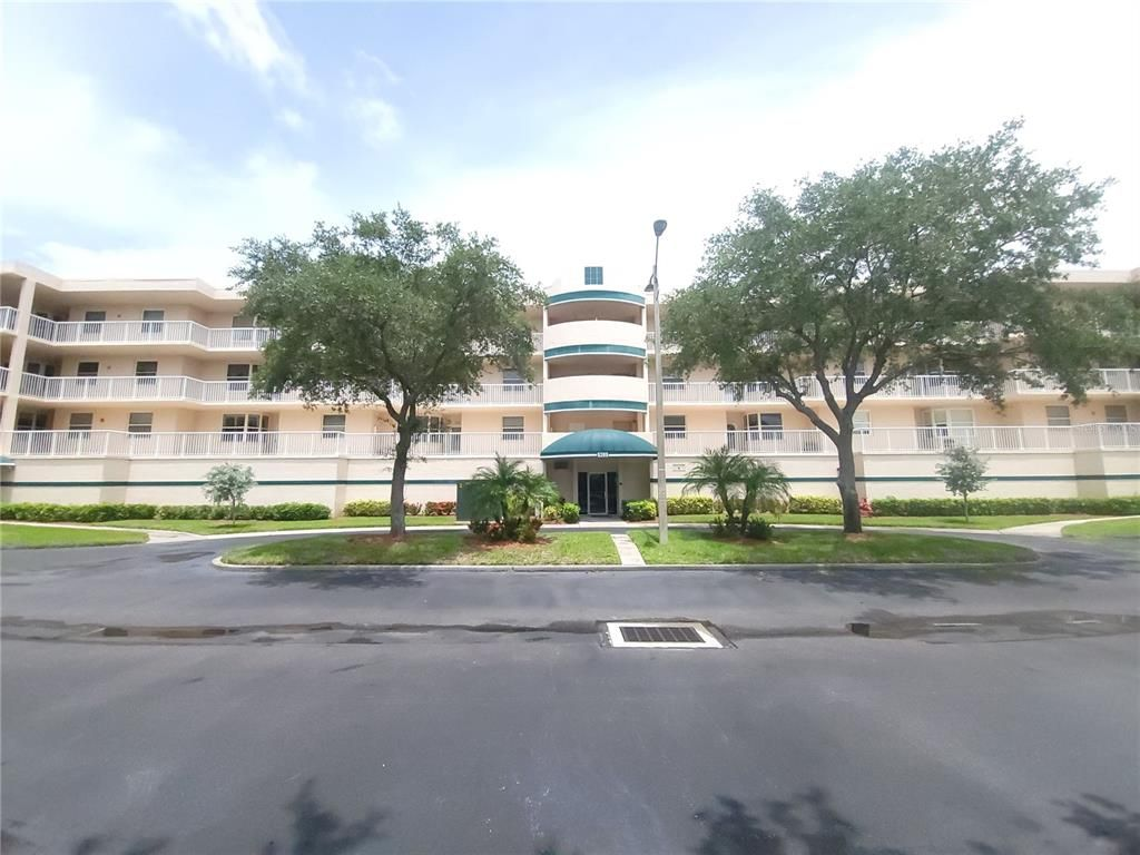 6399 Shoreline Dr #4102, Seminole, FL 33708